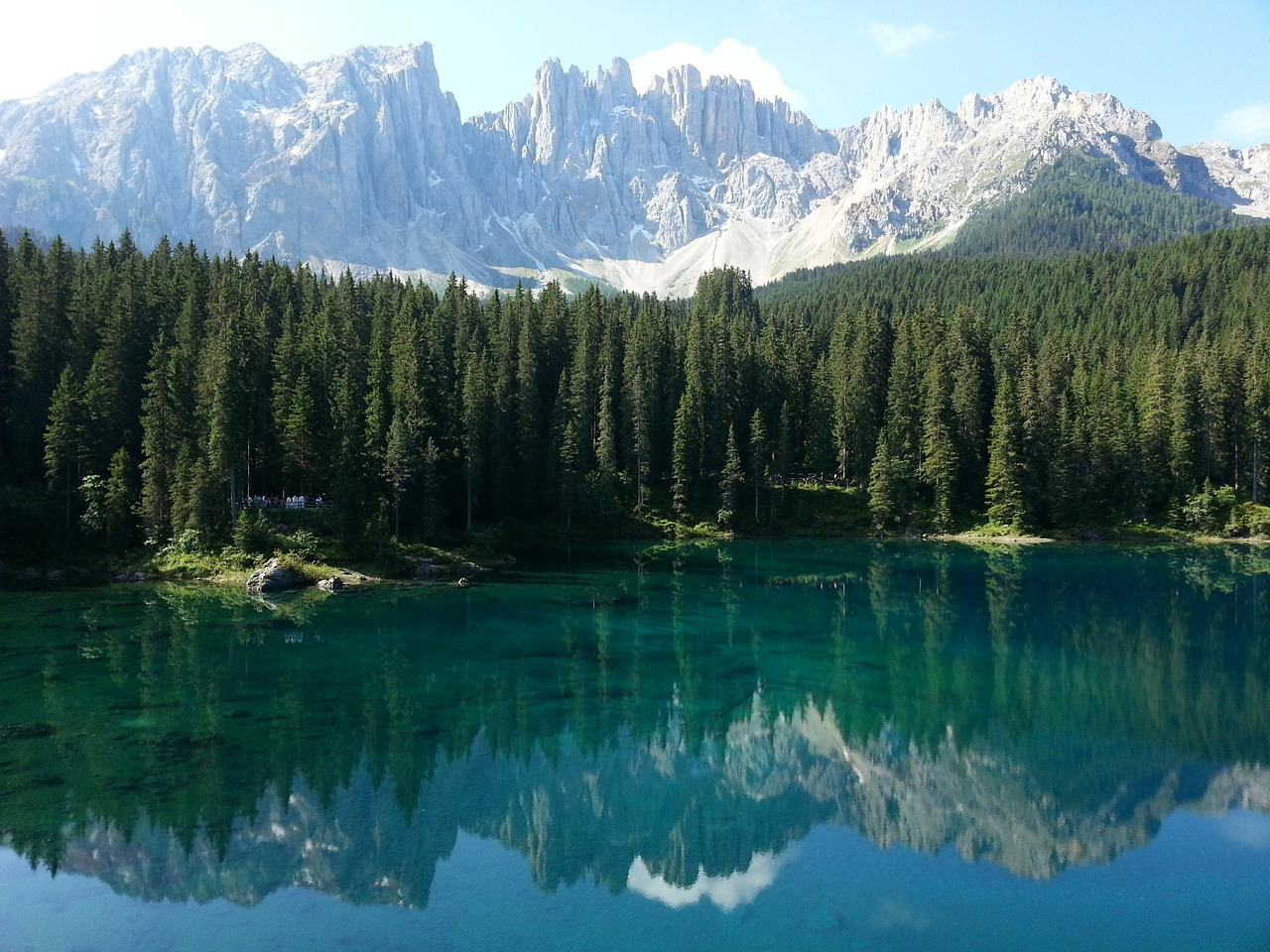 lake-caress-294227_1280